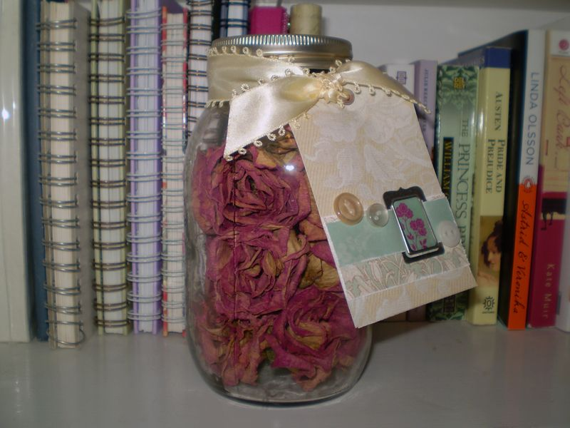 Rose jar tag front