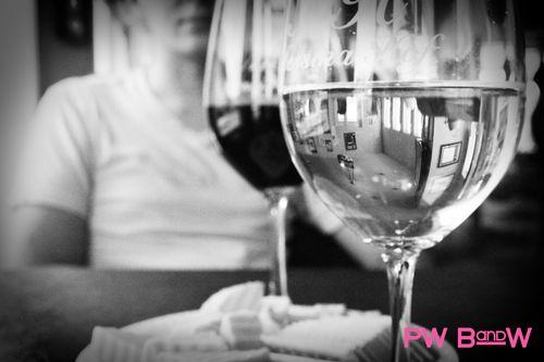 MH wine pw bw 2